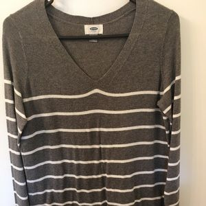 Small Old Navy very thin sweater gray